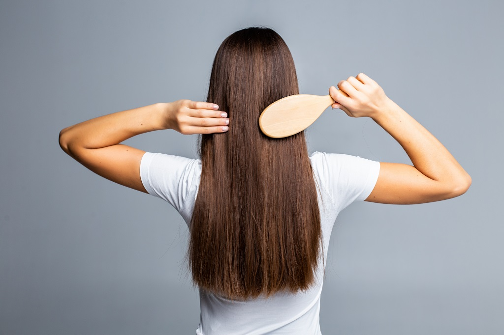 best shampoo for greasy hair - how to tame frizzy hair overnight