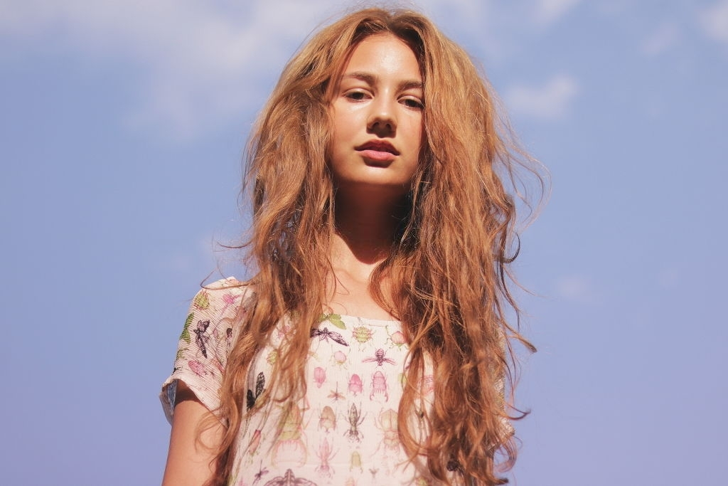 What causes frizzy hair