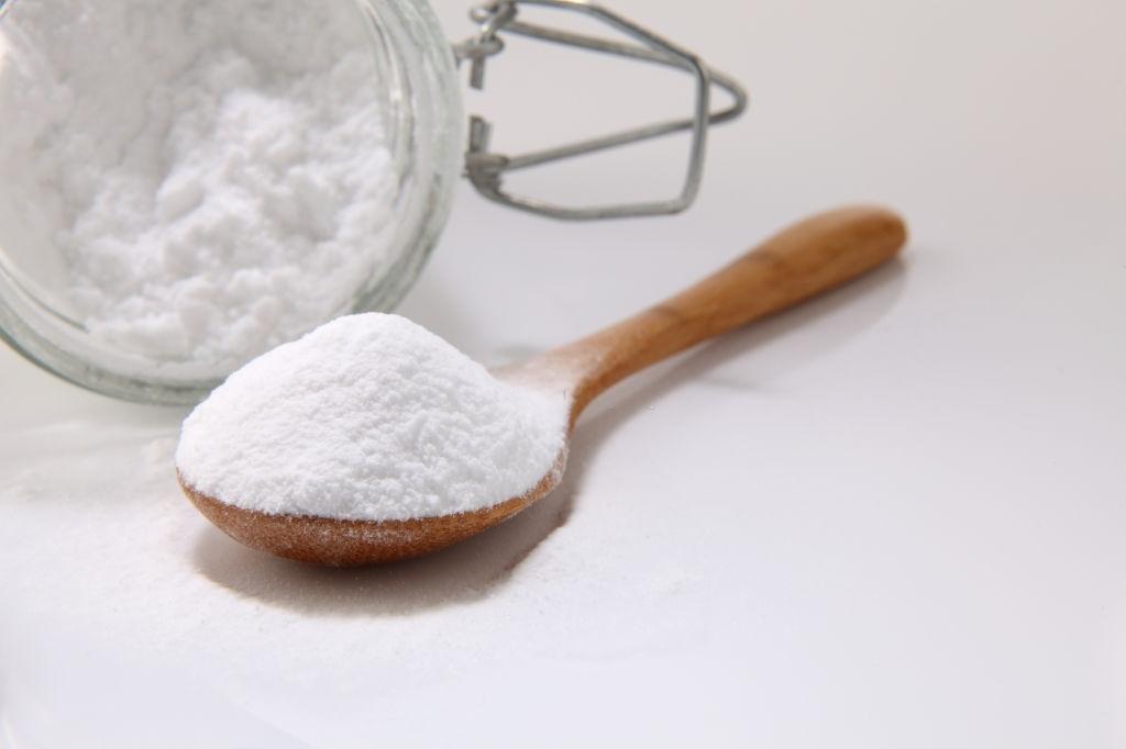 Baking soda and hydrogen peroxide - Lighten Hair Without Bleach